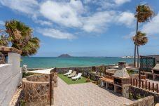 Villa en Corralejo - longstay Villa Marina beachfront