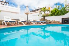 Villa en Corralejo - HolidayVilla White, Piscina, Wifi, ideal familias, 10min Playa