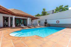 Villa en Corralejo - HolidayVilla Relax - piscina climatizable | BBQ | Wifi