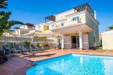 Villa en Corralejo - Villa Garden, Piscina privada,Vista mar, wifi, ideal familias