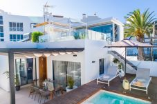 Villa en Corralejo - HolidayVilla Sunrise, Piscina privada, BBQ, WIFI, Gym,