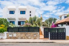 Villa in Corralejo - HolidayVilla White, Pool, Wlan, ideal Familien, 10min Strand