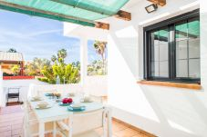 Villa in Corralejo - HolidayVilla Happiness mit Pool, Wifi, BBQ 14pax