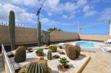 Villa in Costa Adeje - TenerifeVilla Mariposa mit Pool, ideal Familien