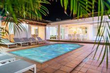 Villa in Corralejo - Villa deluxe Bonita I heatable SwimmingPool- WIFI- BBQ