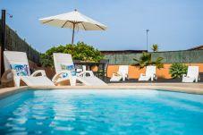 Villa in Corralejo - HolidayVilla Joy | heatable SwimmingPool | Wifi | BBQ | ideal families