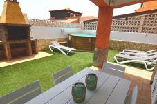 Villa à Corralejo - Holiday Villa Majorera - Piscina |BBQ| Wifi | ideal Familias